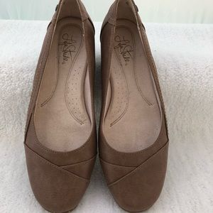 Life Stride Light Brown Faux Suede Flats.